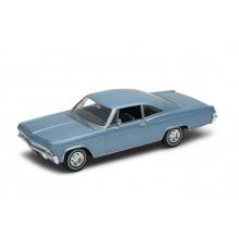 Welly - Chevrolet Impala SS 396 (1965) model 1:24 světle modrý