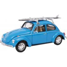Model auta VW Beetle se surfem
