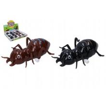 Mravenec na klíček plast 11cm